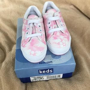 NEW IN BOX KEDS